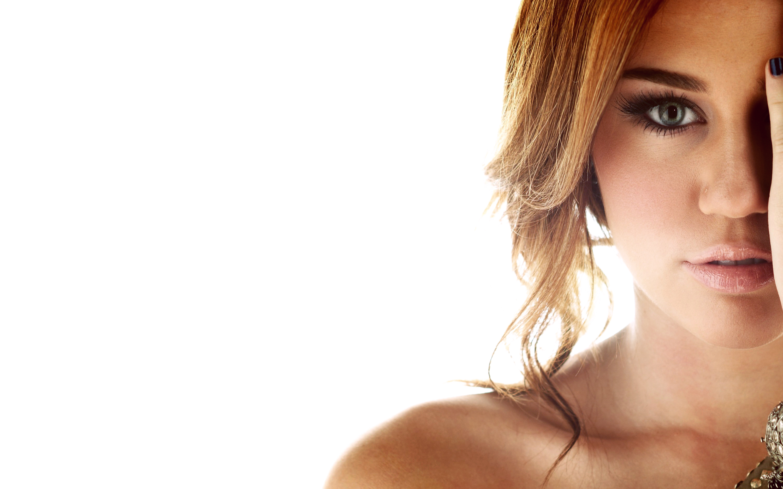 Gorgeous Miley Cyrus wallpaper