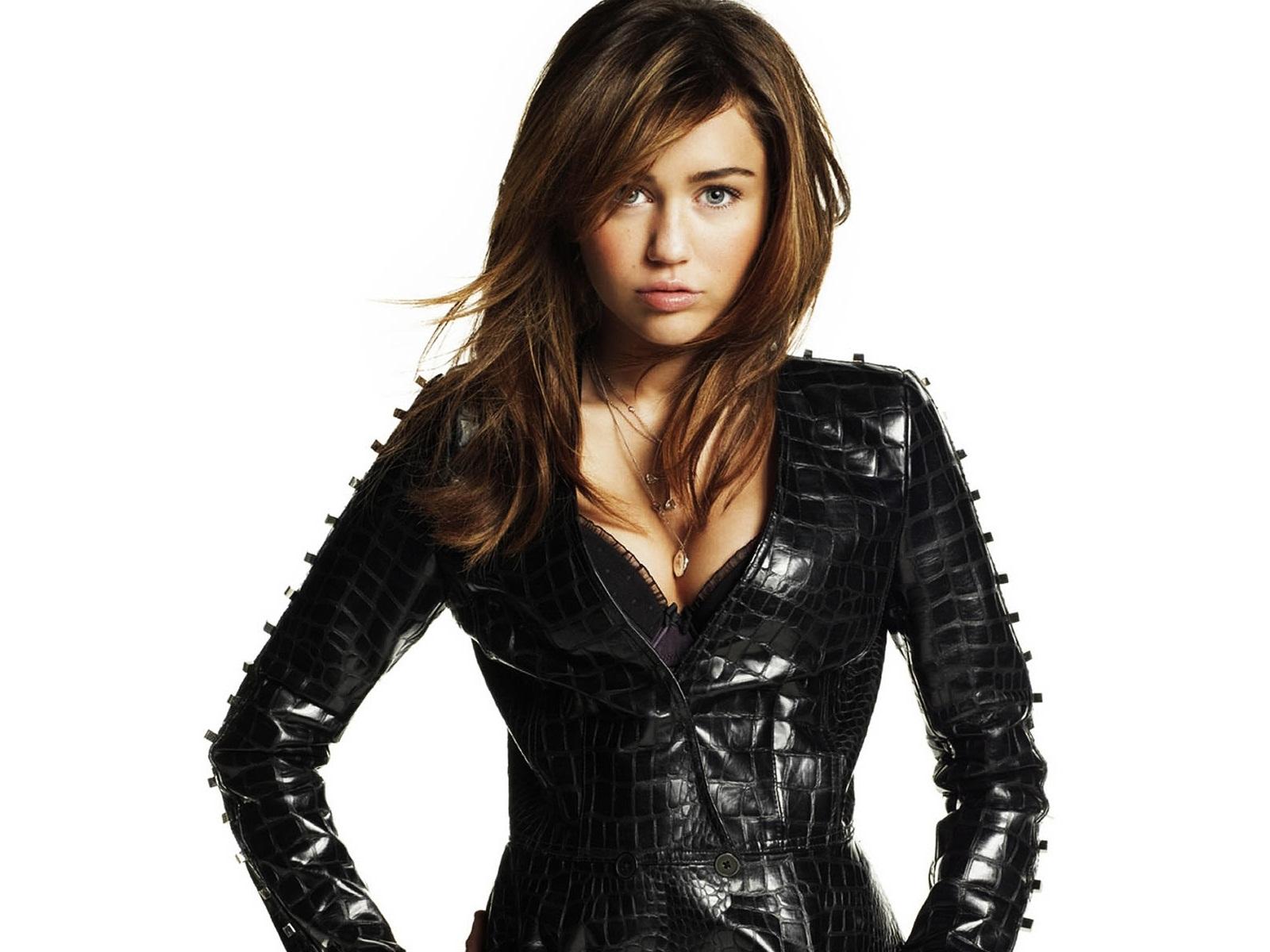 Miley Cyrus 50 wallpaper
