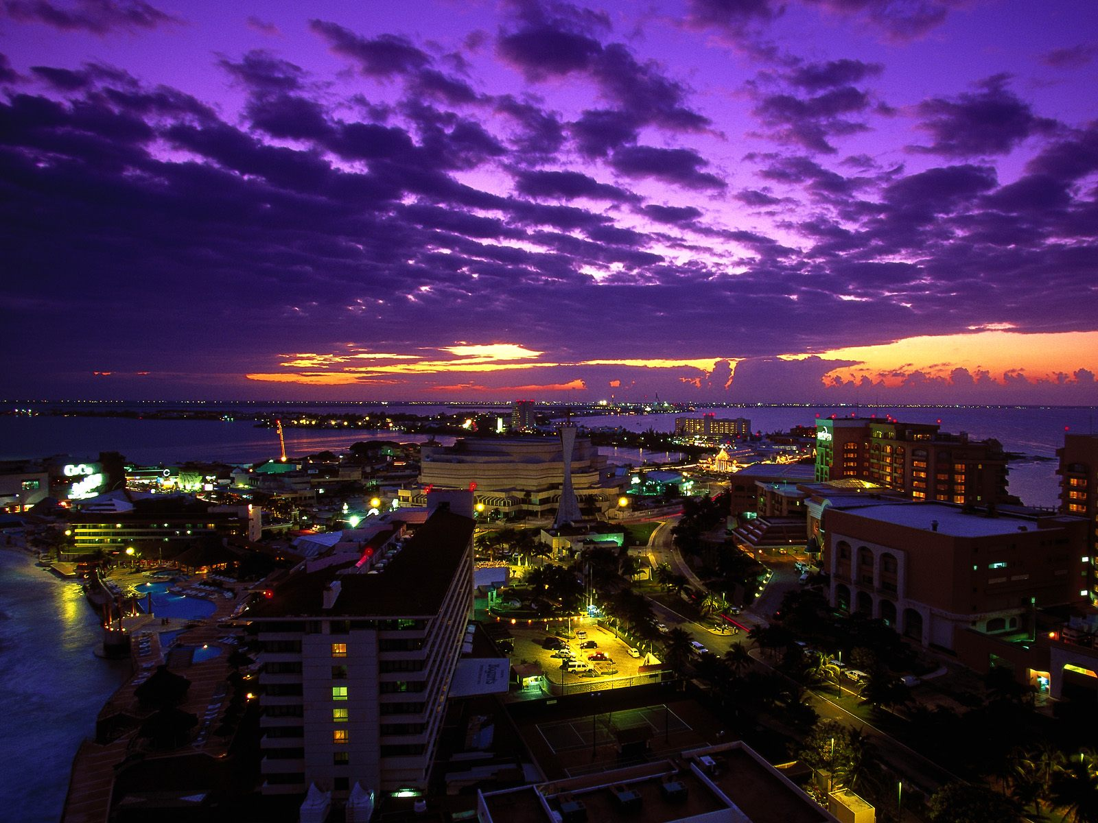 Cancun at Twilight Mexico wallpaper
