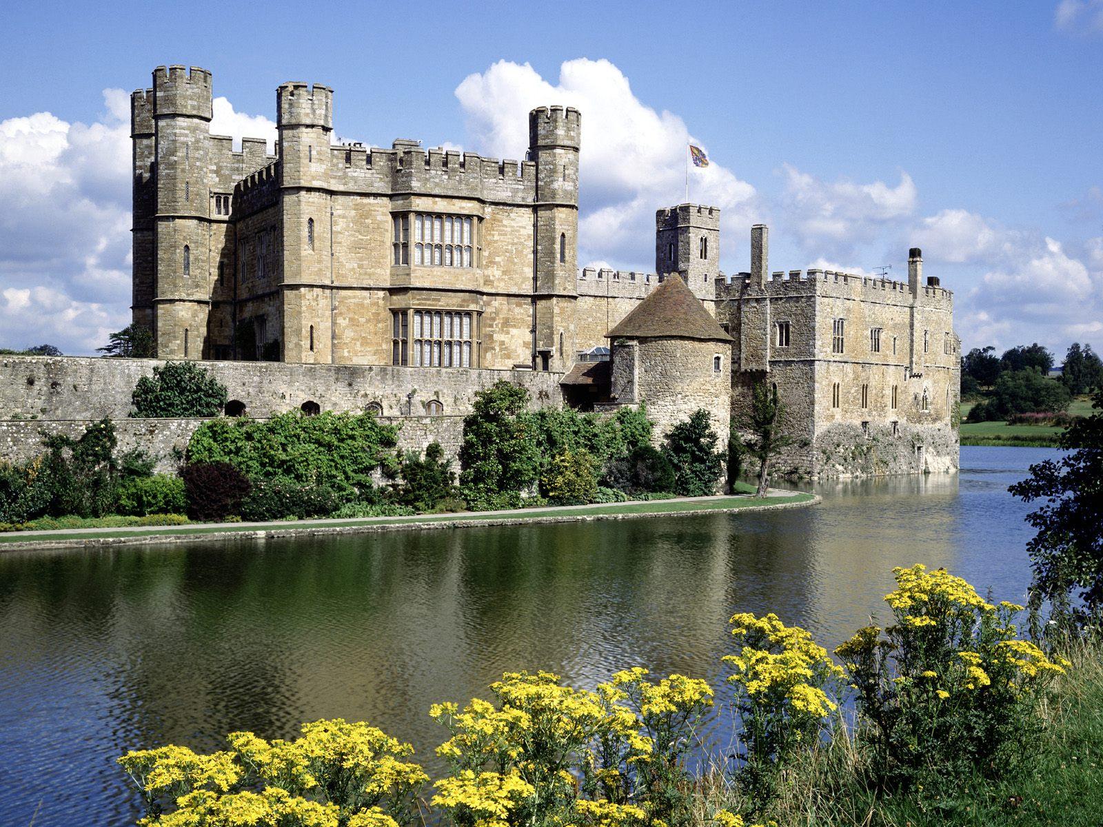 Leeds Castle Kent England wallpaper download