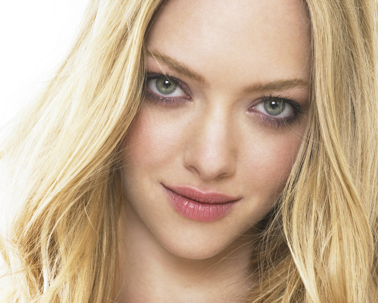 Amanda Seyfried wallpaper download