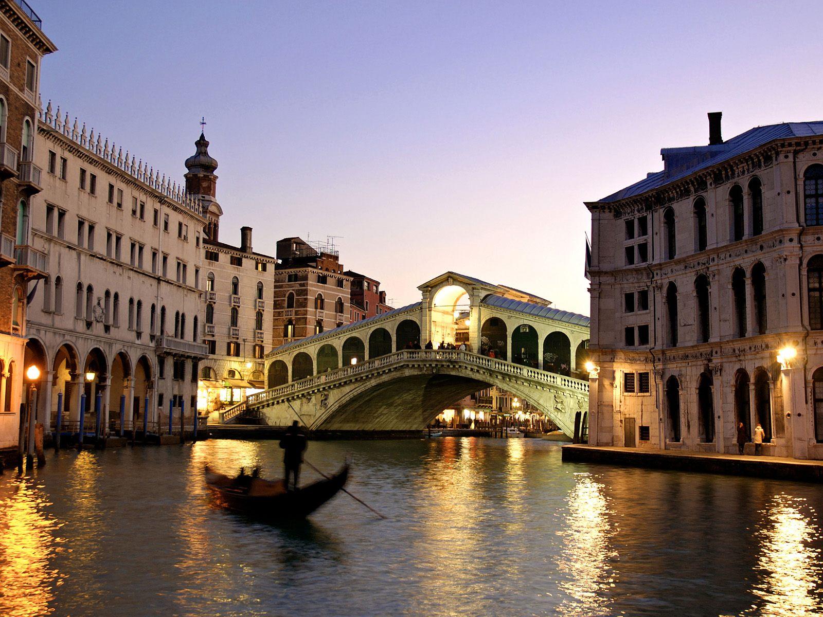 Rialto Bridge Grand Canal Italy wallpaper
