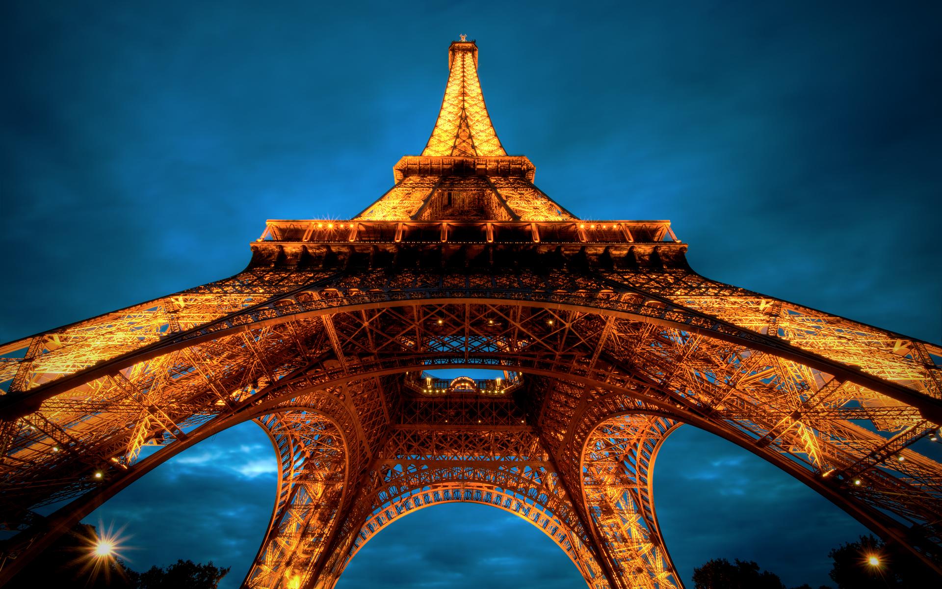 La Tour Eiffel wallpaper