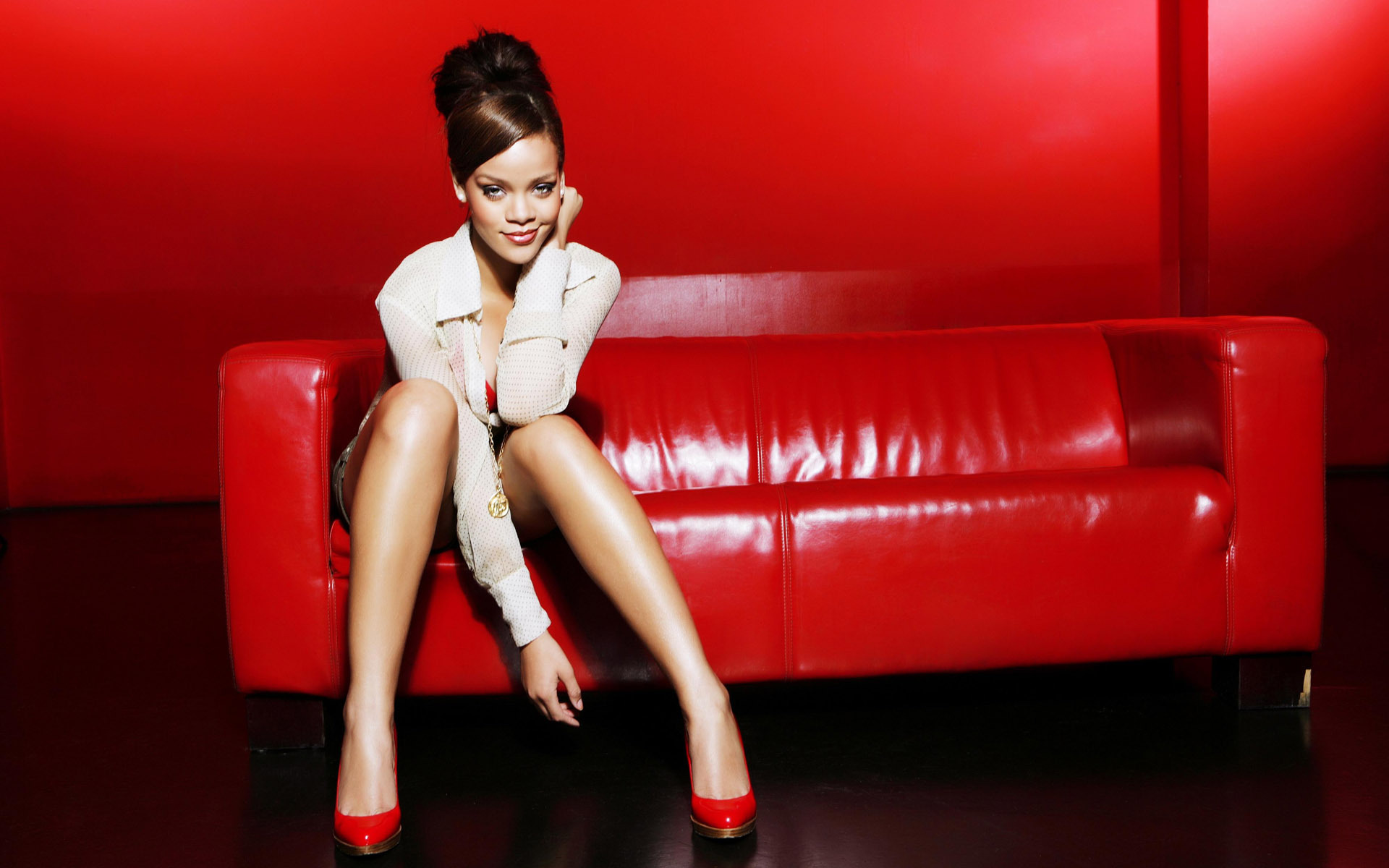 Rihanna 2011 New wallpaper