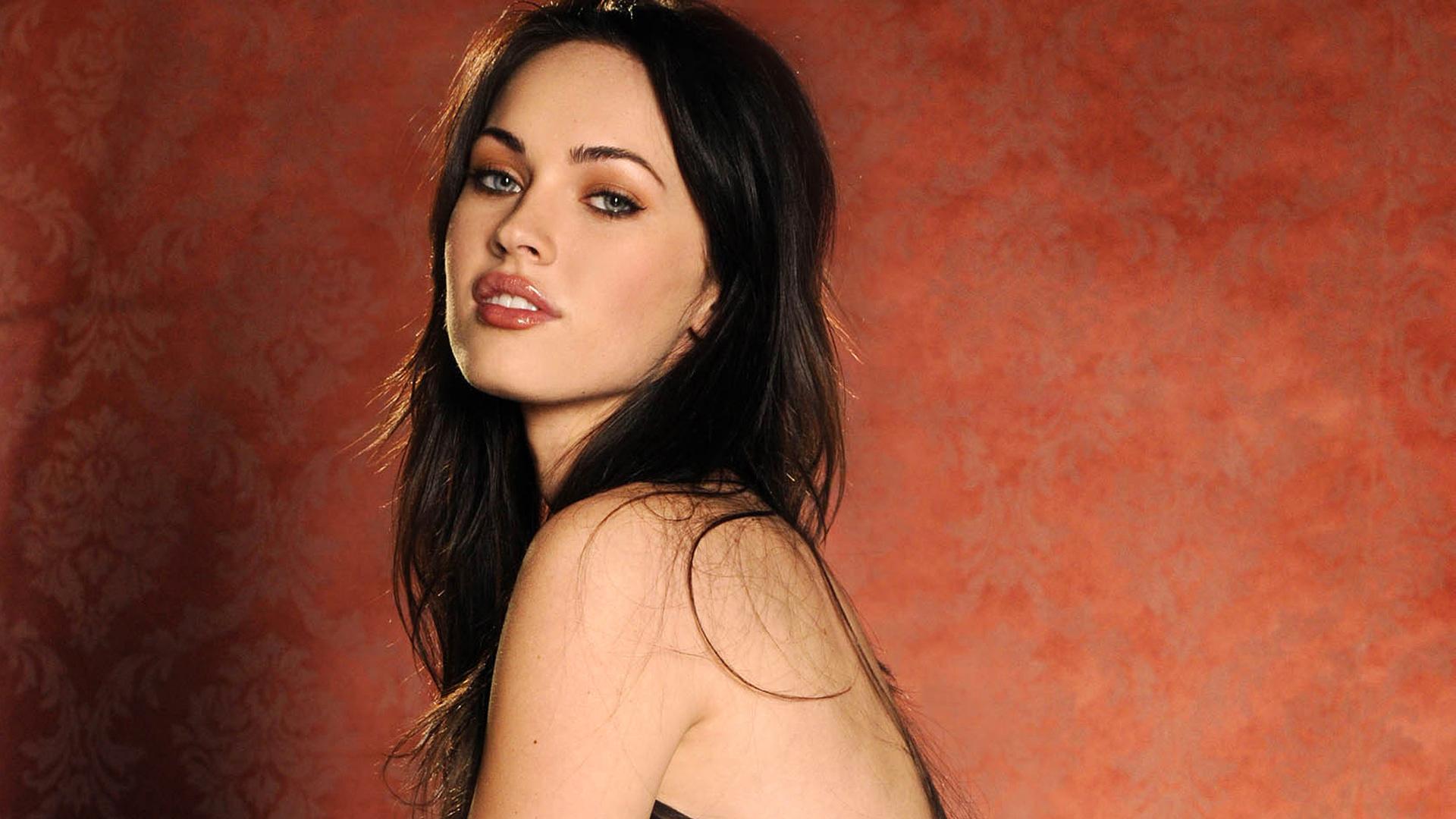 Megan Fox 31 wallpaper
