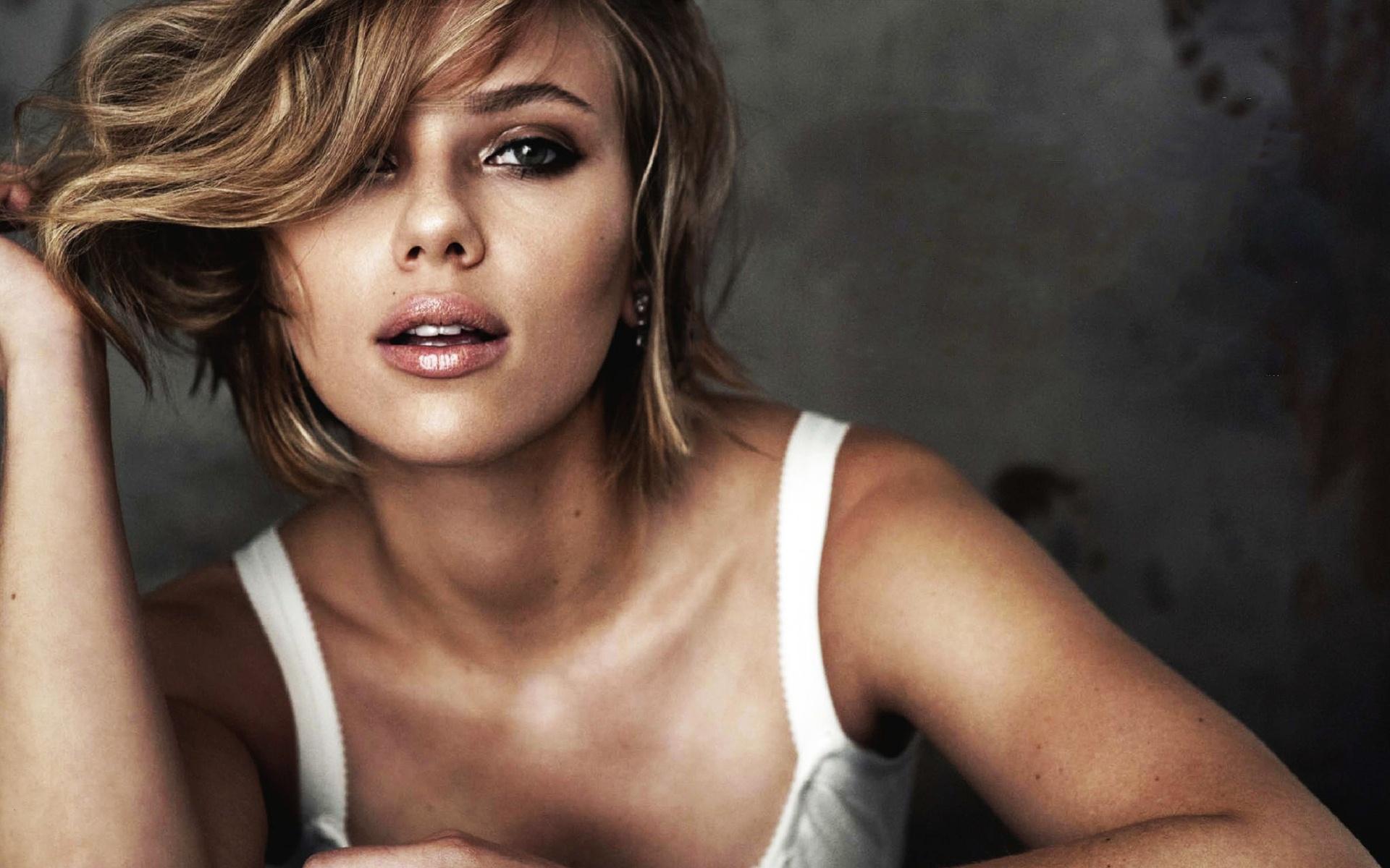 Scarlett Johansson 104 wallpaper download