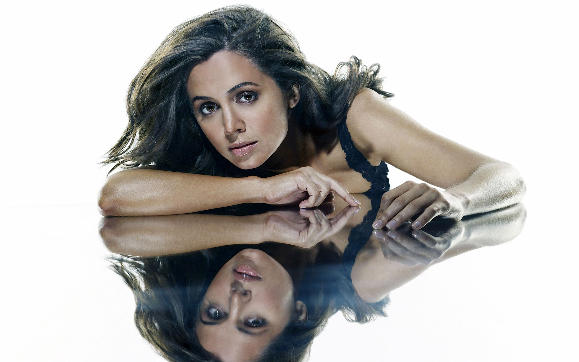 Eliza Dushku 50 wallpaper