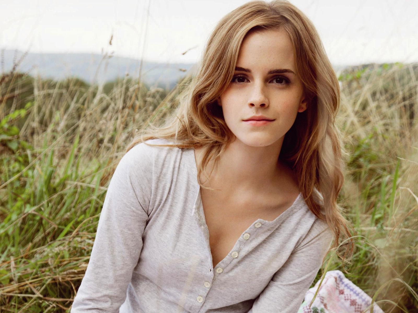 Emma Watson 254 wallpaper