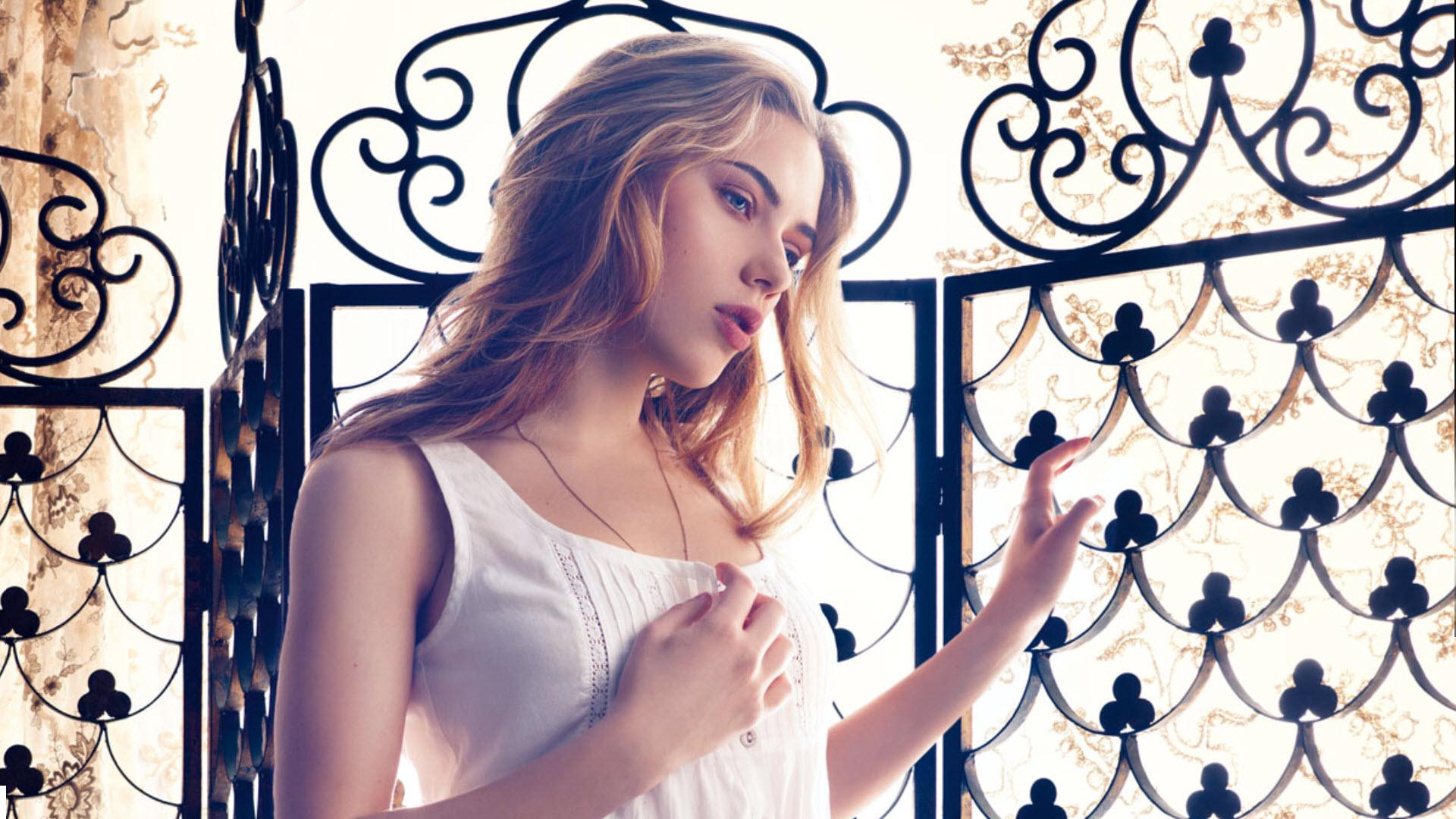Beautiful Scarlett in HD wallpaper